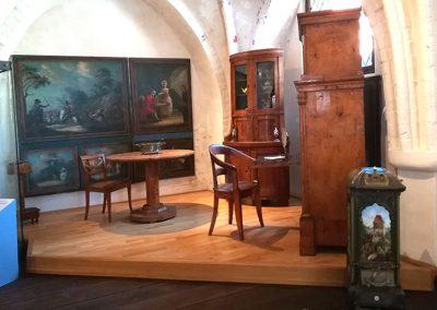 Biedermeiermöbel im Stadtgeschichtlichen Museum